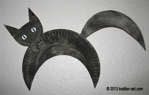 black paper plate cat & Kids Halloween Craft - Paper Plate Cat